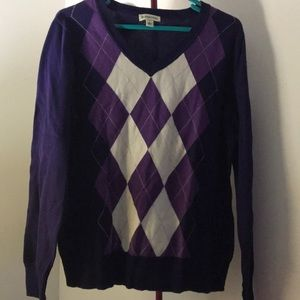 Women's Fitted V-Neck Argyle Fitted Sweater